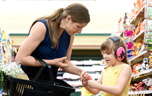 mom-and-daughter-at-grocery-store
